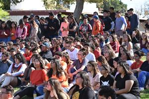 Students at Kofa show solidarity